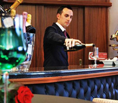 Hotel Lafayette Bar