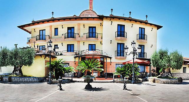 Hotel Lafayette External